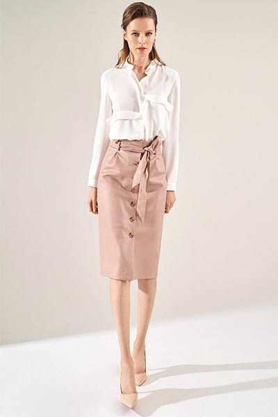f17067e656f Также ряд пуговиц делает юбку более соблазнительной и включает мужскую  фантазию  то